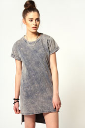 Phoebe Acid Wash Roll Back Sleeves Step Hem Dress from BooHoo for £15